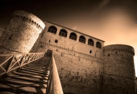9887_castello-angioino