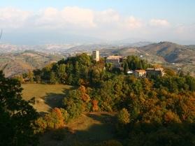 20 maggio Castello-di-Petroia-Foliage-6