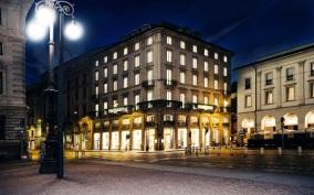 apritimoda palazzo Trussardi alla Scala