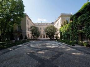 apritimoda Versace