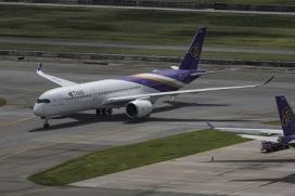 Thai A350_On-Grond_04
