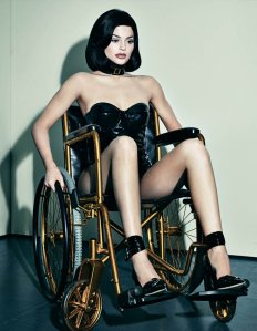 modella sedie rotelle shooting