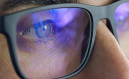 occhiali-anti-luce-blu-1000x620
