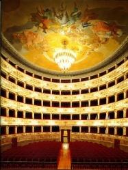 3-teatro dell_ aquila verticale
