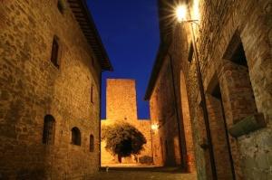 Castello-di-Petroia-Il-Castello.