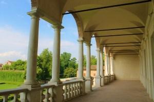 Loggiato-Villa-Medici-del-Vascello-Castelli-Ducato-Lombardia-Emilia