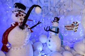 Villaggio di natale Flover_grotta dei pupazzi di neve1_b