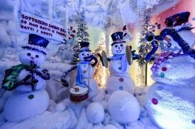 Villaggio di natale Flover_grotta dei pupazzi di neve2_b