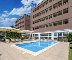 Inc-Hotels-Group-Best-Western-Plus-Hotel-Farnese-Piscina-1