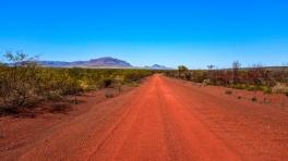 9 - Australia (Tracks - Attraverso il deserto)